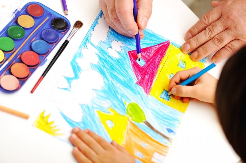 לימור רותם, מטפלת מוסמכת בהבעה ויצירה בילדים ומבוגרים